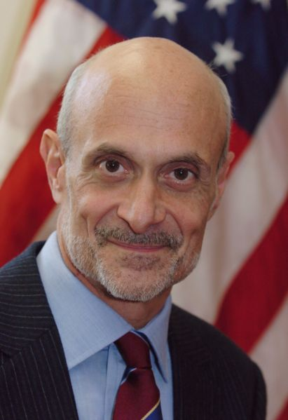 411px-Michael_Chertoff,_official_DHS_photo_portrait,_2005.jpg