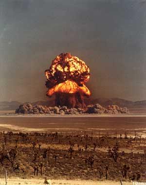 doc200210070300explosion_desierto.jpg